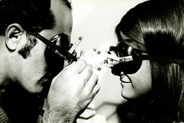 "Lygia Clark, ""Diálogo: Óculos (Dialogue: Goggles),"" 1968; modified diving goggles, metal, and mirror; Clark Family Collection, Rio de Janeiro; photo: Eduardo Clark, courtesy ""The World of Lygia Clark"" Cultural Association; © 2008 ""The World of Lygia Clark"" Cultural Association"