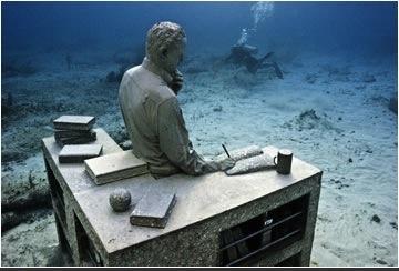 "Jason de Caires Taylor, ""The Archive of Lost Dreams,"" Underwater Sculpture Museum, Mexico.  Image via the artist's website."