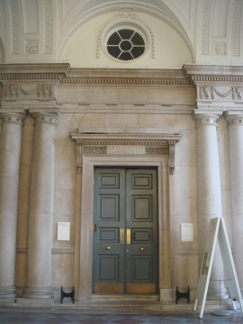 The inconspicuous entrance to The Courtauld Institute. Once the entrance for the Royal Academy of Arts and Sciences.