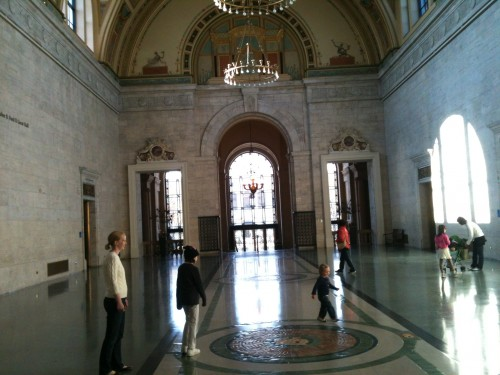 Main hall of Detroit Institute of Arts