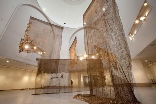 "El Anatsui, ""Gli (Wall),"" 2010. Installation view. Brooklyn Museum photograph by JongHeon Martin Kim"